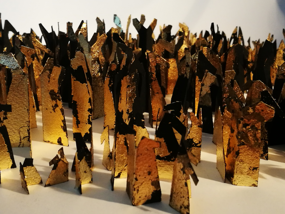 Collection of around 20 - 30 Gold leaf free standing abstract sculptural pieces of various sizes.